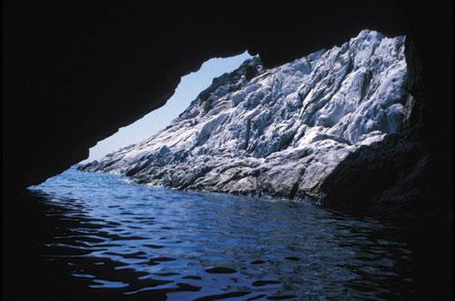 elba-water-cave